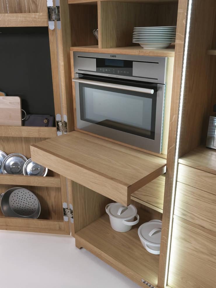 Cambusa Cook – Mobile contenitore: Cucina in stile  di Cappelletti Architetti