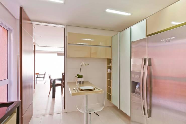 Residência Alphaville:   por Conseil Brasil Arquitetura e Interiores