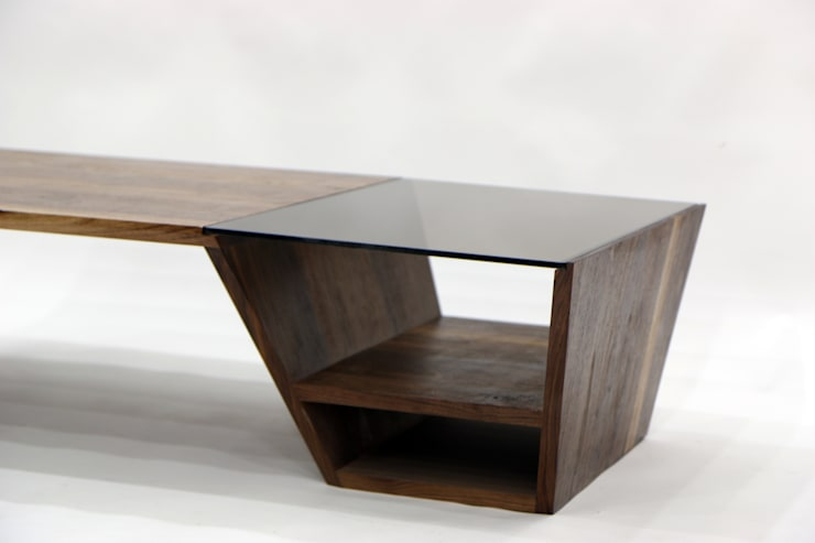 Public Tower_Side Table: artiZAC의  거실