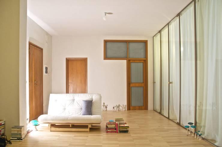 Casa per una ballerina: Case in stile  di Angeli - Brucoli Architetti