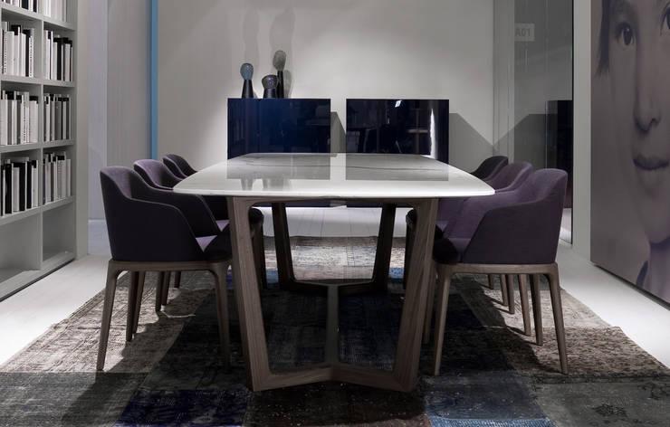 Concorde Table, Grace Chair: Salle à manger de style  par agence Emmanuel Gallina