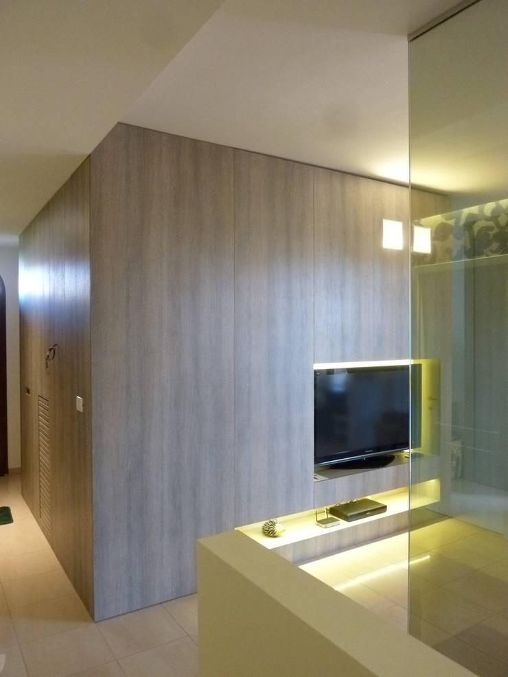 Appartamento Apollinari: Case in stile  di Stefano Zaghini Architetto,