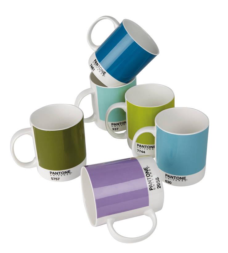 mug Pantone: Maison de style  par designed in colour