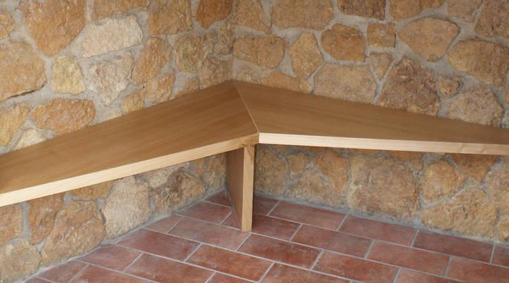 seduta ingresso:  in stile  di benincasa casapieri architetti, Eclettico