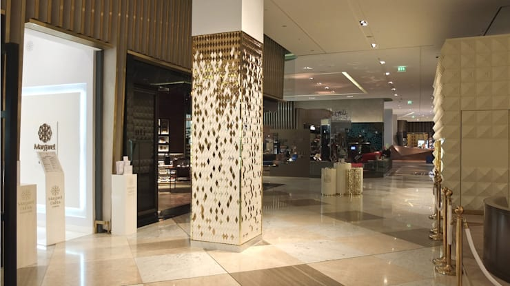 Dubai Mall, Diamond Columns:   by Giles Miller Studio