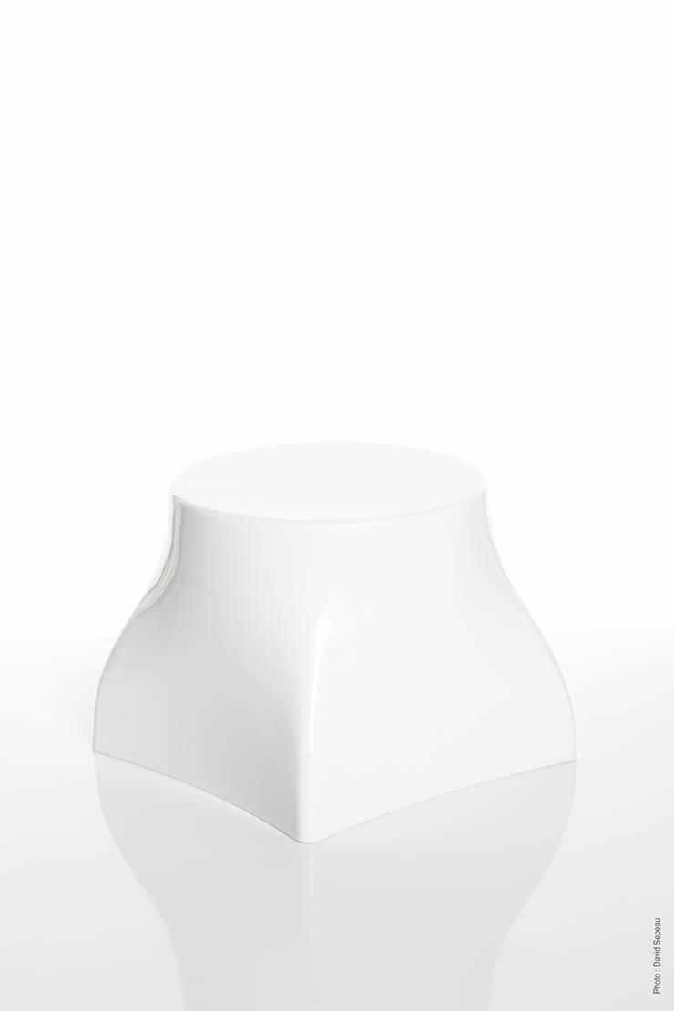 """""""Jumbo"""": Maison de style  par Fabrice Koukoui Design"""
