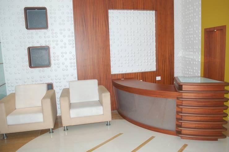 OLIVE HEALTHCARE - UNIT 2 (FACTORY OFFICE): modern  by Marginn,Modern