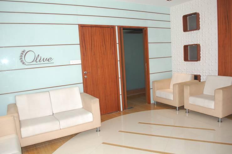 OLIVE HEALTHCARE—UNIT 2 (FACTORY OFFICE): modern  by Marginn,Modern