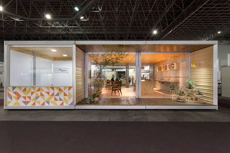 Fachada 01: Casas  por Haruf Arquitetura + Design,