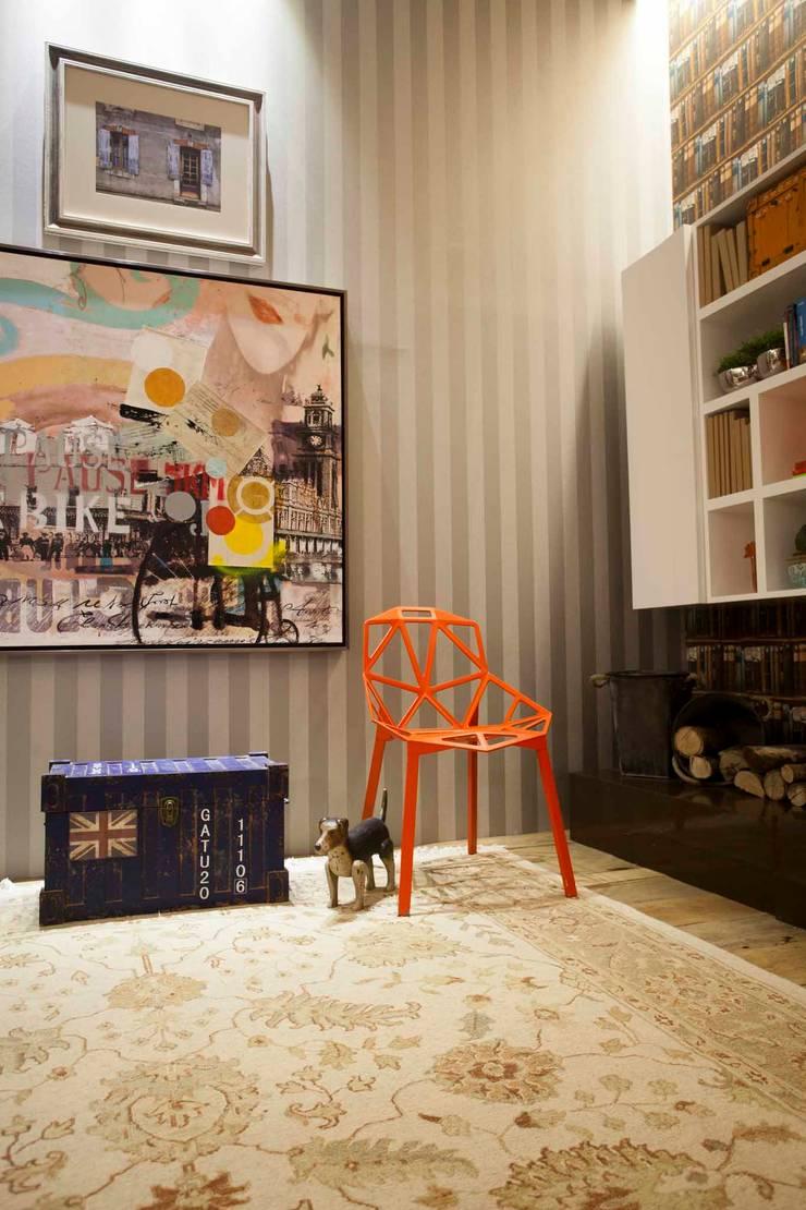 Sala Íntima: Salas de estar  por Orlane Santos Arquitetura