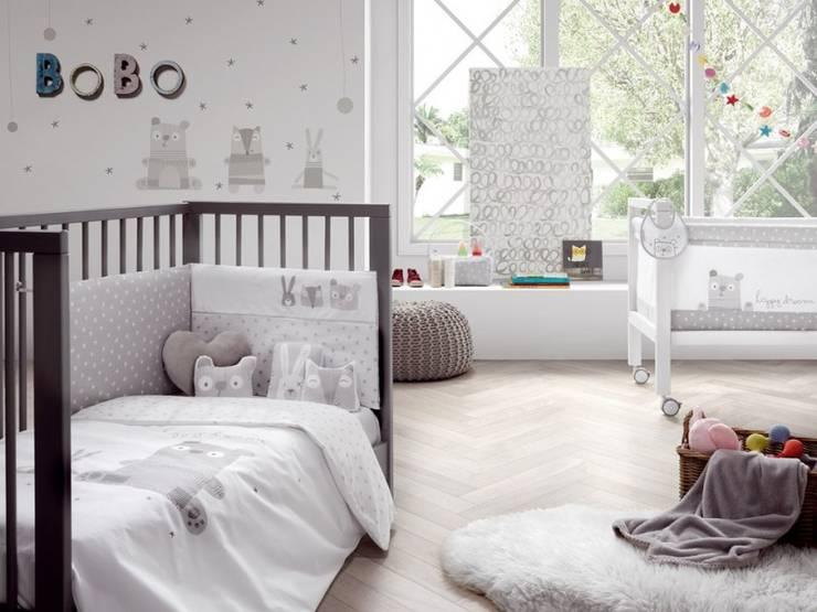 Dormitorios infantiles de estilo  de Carmen homify