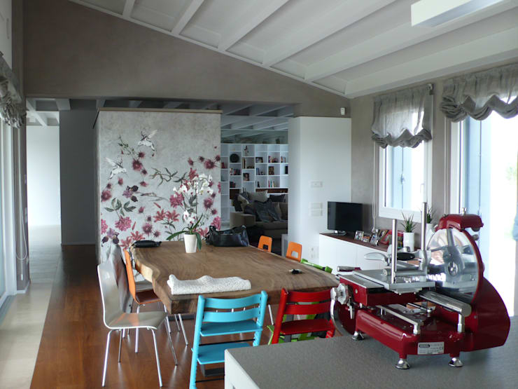 Casa G: Casa in stile  di mmuto architettura