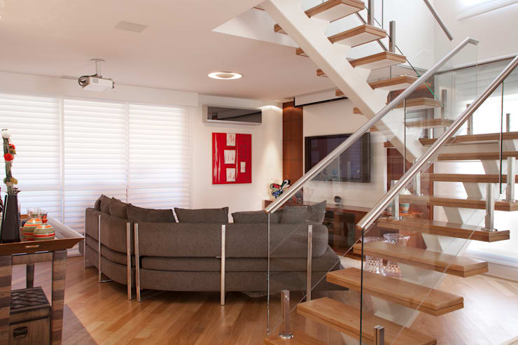 Home Theater - Cobertura: Salas multimídia  por Orlane Santos Arquitetura