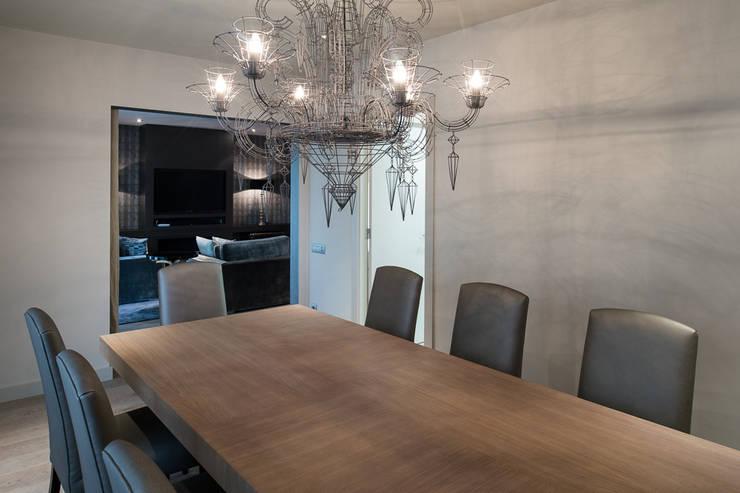 Interiorismo piso Barcelona: Comedores de estilo  de Isa de Luca