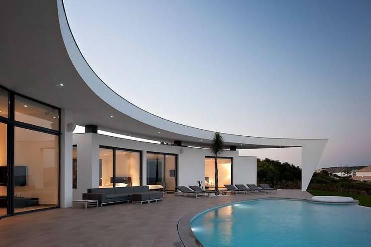 Häuser von Reflexões Contemporary Design