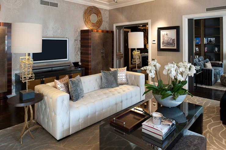 Interiorismo ático duplex: Salones de estilo moderno de Isa de Luca