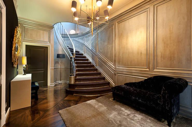 Interiorismo ático duplex: Pasillos y vestíbulos de estilo  de Isa de Luca