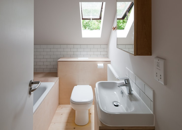 scandinavian Bathroom by MailenDesign