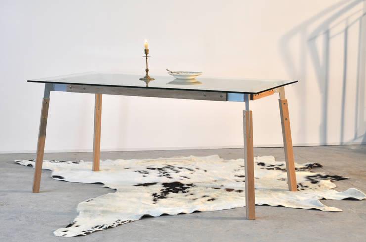 KATABA: Salle à manger de style  par Hugues Desbrousses Designer Architecte d'intérieur
