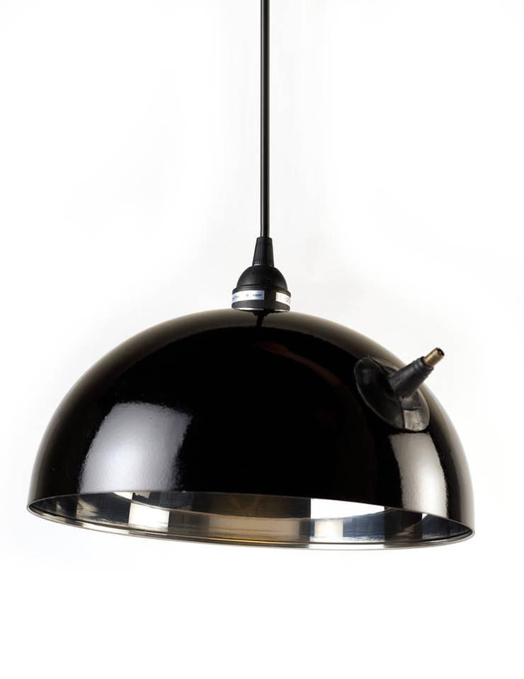 Valve Lamp: Estudio de estilo  por Natural Urbano