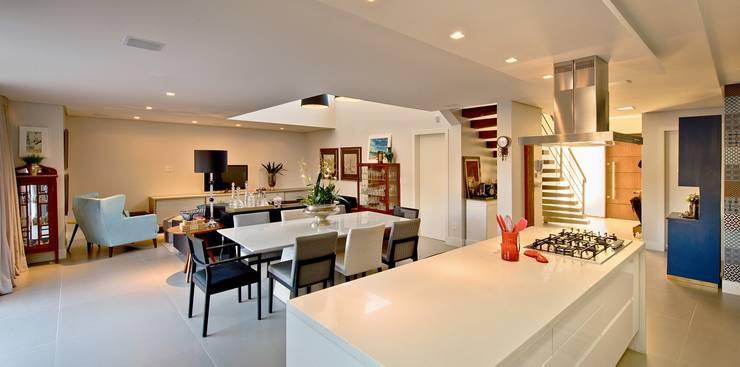Área social integrada: Salas de jantar  por Espaço do Traço arquitetura