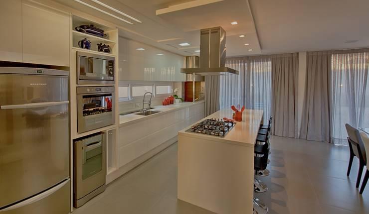 Cozinha: Cozinhas  por Espaço do Traço arquitetura