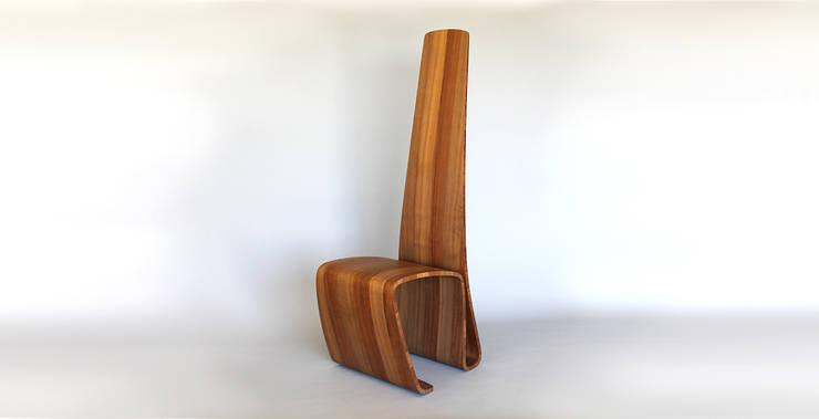 Trombone: Salle à manger de style de style eclectique par ARCA (Atelier de Recherche et de Création en Ameublement)