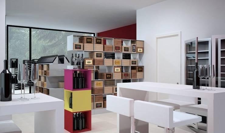 Arredamento di design Esigo per enoteca: Negozi & Locali Commerciali in stile  di Esigo SRL