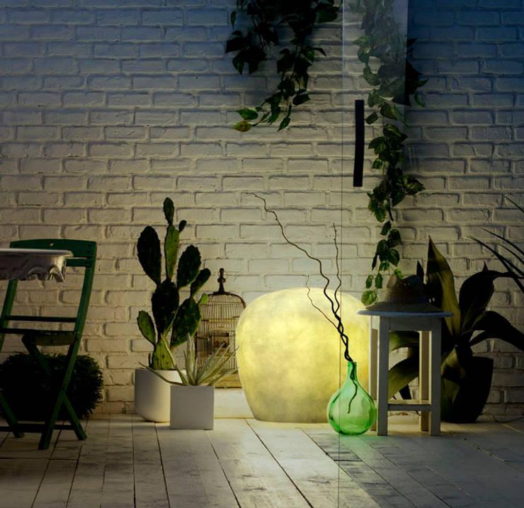 modern  oleh Lucente by Gruppo Rostirolla, Modern