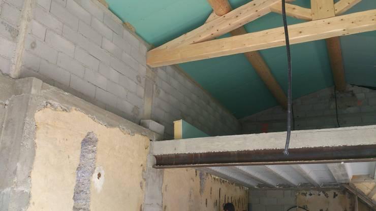 Maison loft 100m²: Maisons de style  par AZ Createur