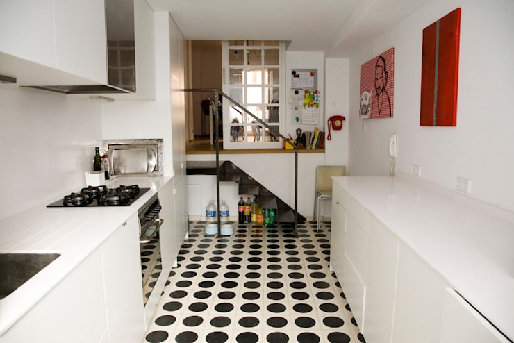 SC8.CASA: Casas de estilo  de BONBA studio