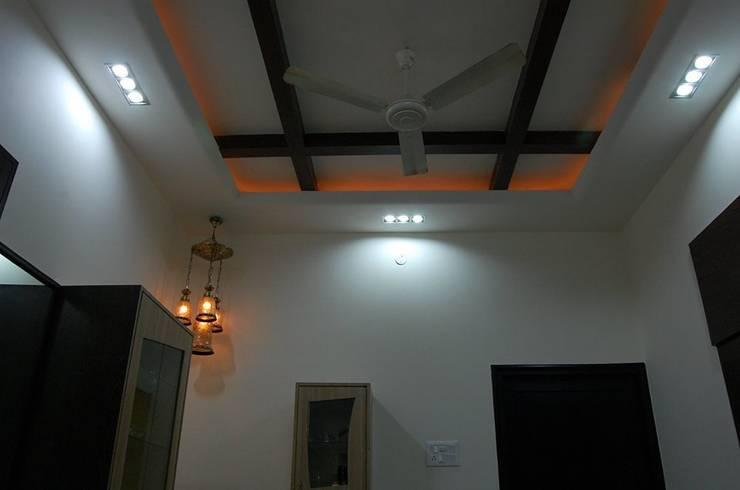 Virmani's Residence:  Houses by Aahana Decor Pvt. Ltd.