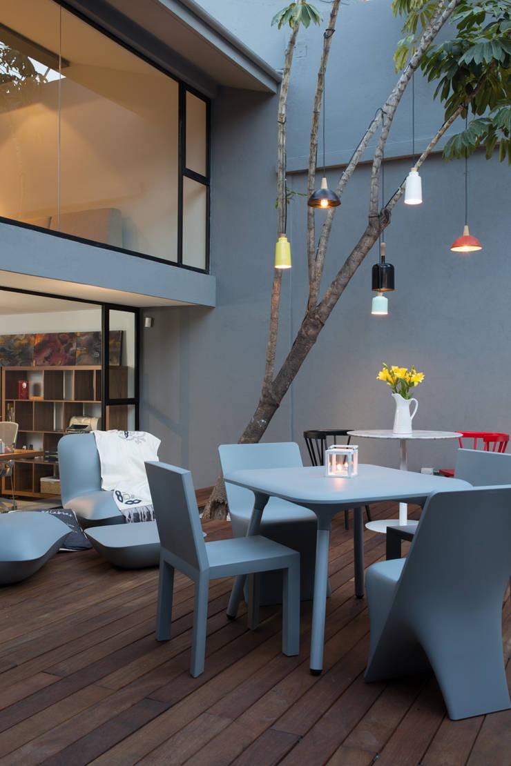 Casa + Gourmet: Espacios comerciales de estilo  por Natural Urbano