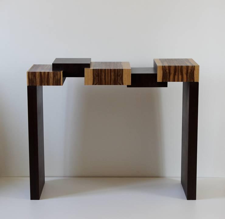 Console 'Alternances: Maison de style  par Daan Koers Ebéniste