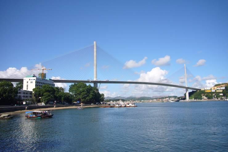 Bai Chay Bridge: Nakajima Tatsuoki Lighting Design Laboratory Inc.が手掛けたです。