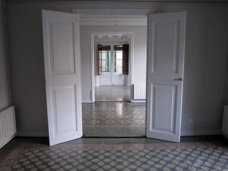 PLM 8. PISO: Casas de estilo  de BONBA studio