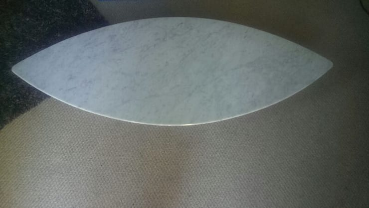 Carrara Marble Surf Coffee Table:  Dining room by Stone Smart