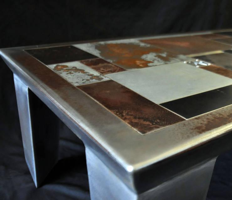 "Table Basse ""Silvio Dante"": Salon de style  par Marc Bedikian"