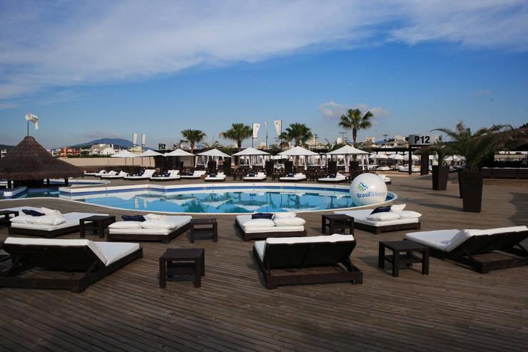 Espacios comerciales de estilo mediterráneo de MarchettiBonetti+ Mediterráneo
