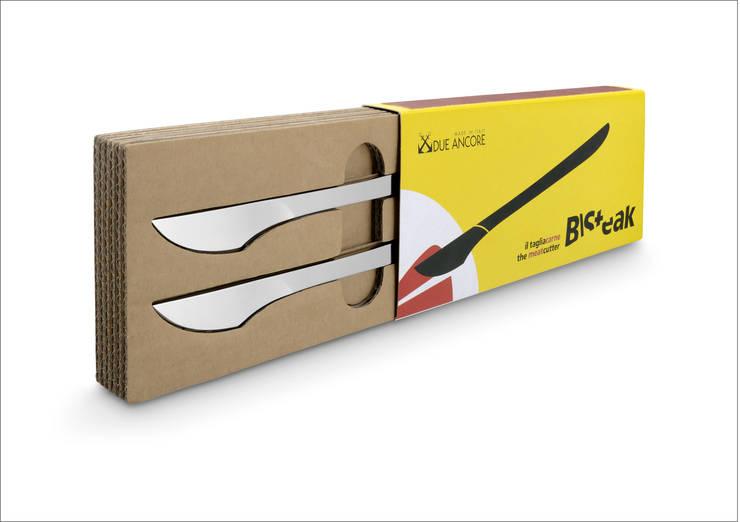 B\STEAK: Il bisturi da cucina: Sala da pranzo in stile  di Due Ancore ,