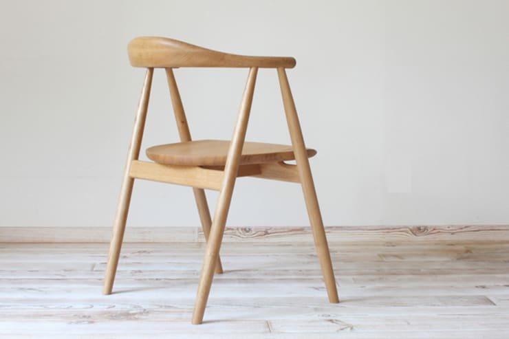 Yule chair: TOMOYUKI MATSUOKA DESIGNが手掛けたダイニングルームです。