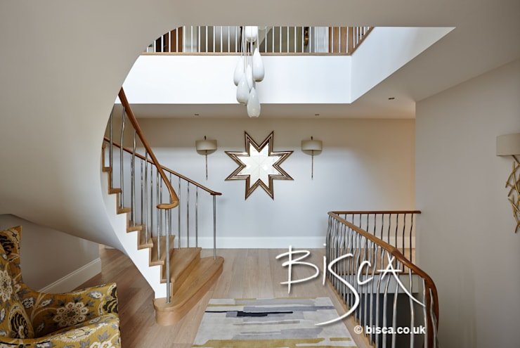 Semi Helix staircase :  Corridor & hallway by Bisca Staircases