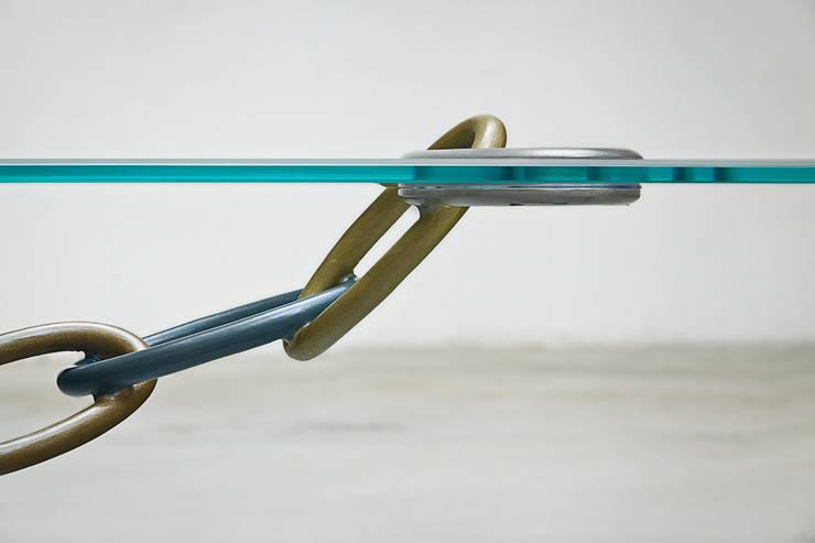 tavolino Union: Soggiorno in stile  di B & G design,
