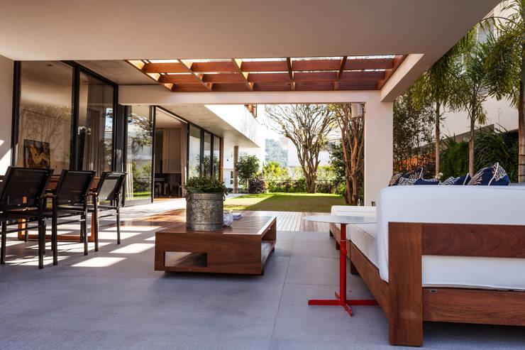 Casas de estilo  por MarchettiBonetti+