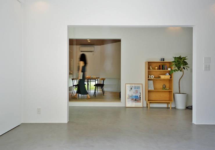QUARTER HOUSE モダンな 家 の METAPH建築設計事務所 / METAPH ARCHITECT ASSOCIATES モダン