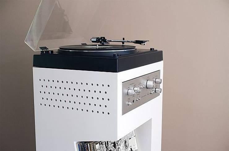 Meuble platine vinyle: Salon de style  par Guillaume Bouvet