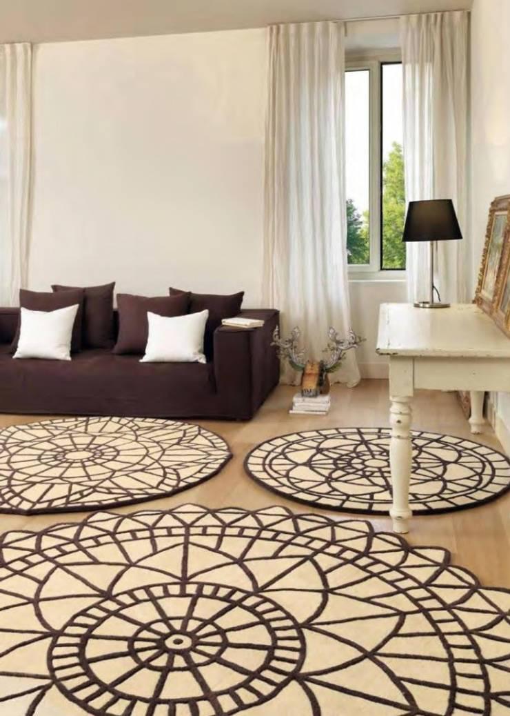 Alfombra Redonda Portofino 18: Paredes y suelos de estilo  de Paco Escrivá Muebles