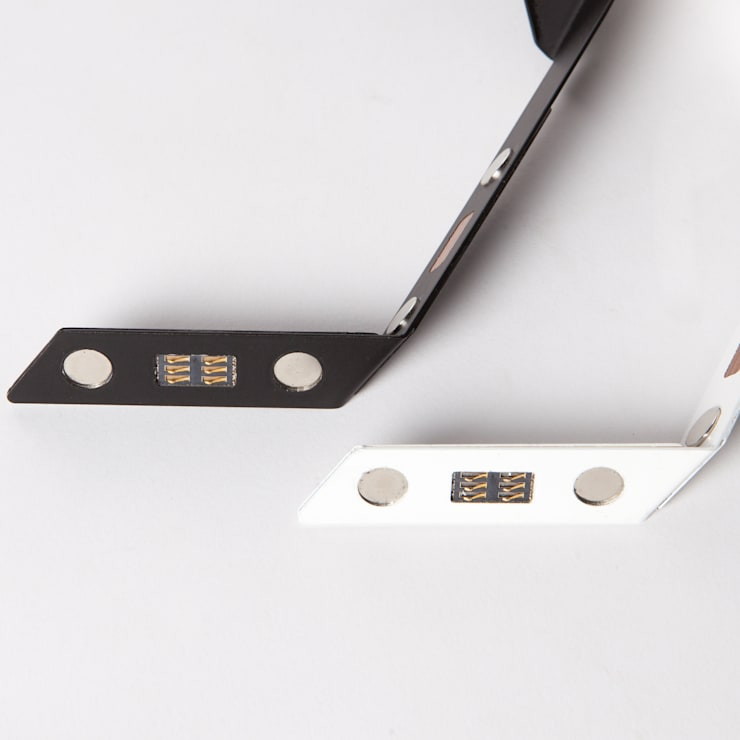 Innovative Magnethalterung: modern  von FAMOOS OHG,Modern