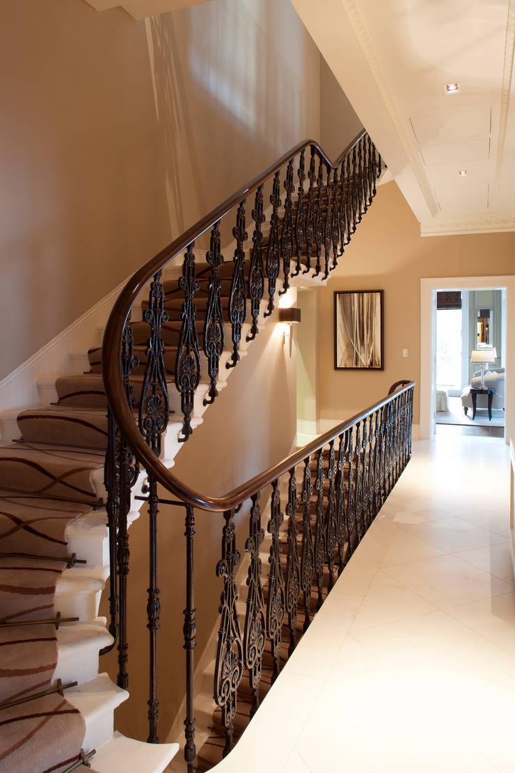 Staircase:  Corridor & hallway by Roselind Wilson Design
