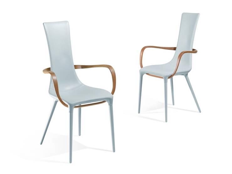 JESSICA: Sala da pranzo in stile in stile Moderno di Reflex
